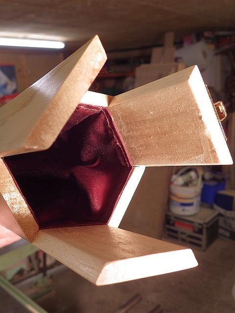 reportage portrait Bernard Beaugé fabricant étuis en bois cannes à mouches